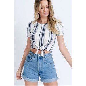 🎉2x HP🎉 Striped Front Tie Top